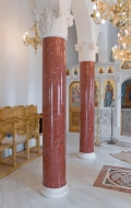 Close-up of completed installation of scagliola columns ( 2 / 3 )