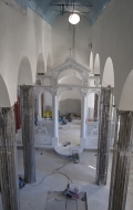 Early stage of installation of red scagliola columns ( 3 / 3 )
